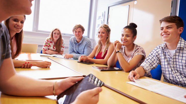 Curso escolar, trimestre o semestre en el extranjero